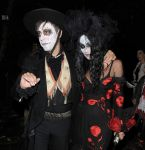 Celebrities Wonder 80952338_Jonathan-Ross-Halloween-Party_Kate Moss 4.jpg