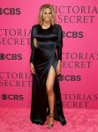 Celebrities Wonder 81668593_2013-Victorias-Secret-Fashion-Show-Pink-Carpet_Ciara 2.jpg