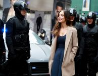 Celebrities Wonder 84594971_minka-kelly-FOX-Almost-Human-hattan-experience_6.jpg