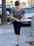 Celebrities Wonder 94766577_jennifer-garner-exercising_1.JPG