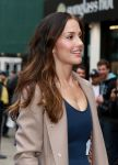 Celebrities Wonder 97512934_minka-kelly-FOX-Almost-Human-hattan-experience_4.jpg