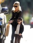 Celebrities Wonder 12204585_sarah-michelle-gellar-daughter_4.jpg
