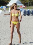 Celebrities Wonder 1222751_jessica-hart-bikini_1.jpg