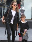 Celebrities Wonder 21342805_jessica-alba-daughter_6.jpg