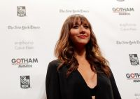 Celebrities Wonder 21392760_shailene-woodley-gotham-independent-film-awards-2013_Rashida Jones 3.jpg