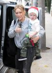Celebrities Wonder 25530633_hilary-duff-son_5.jpg