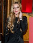 Celebrities Wonder 26013542_lindsay-lohan-Just-Sing-It-app -aunch_5.jpg
