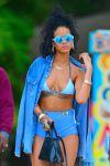 Celebrities Wonder 27801971_rihanna-bikini-barbados_8.jpg