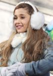 Celebrities Wonder 28082503_87th-Annual-Macys-Thanksgiving-Day-Parade_Ariana Grande 4.JPG