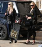 Celebrities Wonder 37696735_paris-nicky-hilton-shopping_5.jpg