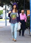 Celebrities Wonder 42341846_pregnany-olivia-wilde-pilates_3.jpg