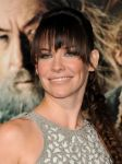 Celebrities Wonder 44811888_evangeline-lily-The-Hobbit-The-Desolation-Of-Smaug-premiere_5.JPG