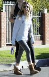 Celebrities Wonder 45327124_ashley-tisdale-gym_6.jpg