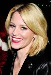 Celebrities Wonder 45541113_elizabeth-banks-LEGOLAND-California-Resorts-Annual-Tree-Lighting-Ceremony_5.jpg