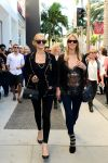 Celebrities Wonder 47562836_paris-nicky-hilton-shopping_6.jpg