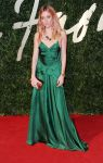 Celebrities Wonder 56448365_sienna-miller-bfa-2013-red-carpet_1.jpg