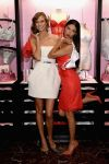 Celebrities Wonder 57722727_Victorias-Secret-Angels-Celebrate-Holiday-2013_3.jpg