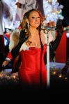 Celebrities Wonder 58165640_mariah-carey-Rockefeller-Center-Christmas-Tree-Lighting_7.jpg