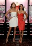 Celebrities Wonder 6085726_Victorias-Secret-Angels-Celebrate-Holiday-2013_1.jpg