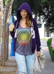 Celebrities Wonder 64750967_pregnany-olivia-wilde-pilates_5.jpg