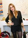 Celebrities Wonder 66681884_sofia-vergara-Tie-The-Knot-Pop-Up Store_3.jpg