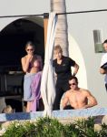 Celebrities Wonder 66731827_jennifer-aniston-courteney-cox-bikini_3.jpg