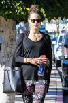 Celebrities Wonder 68772278_alessandra-ambrosio-at-Soul-Cycle_5.jpg