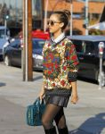 Celebrities Wonder 68952271_jessica-alba-leather-skirt_7.jpg