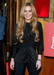 Celebrities Wonder 725098_lindsay-lohan-Just-Sing-It-app -aunch_4.jpg