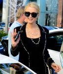 Celebrities Wonder 7373750_paris-nicky-hilton-shopping_8.jpg