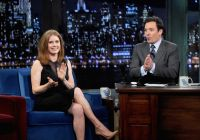 Celebrities Wonder 73883541_amy-adams-Late-Night-With-Jimmy-Fallon_7.jpg