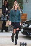 Celebrities Wonder 74689693_ali-larter-Shopping-at-Barneys-New-York_5.jpg