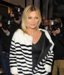 Celebrities Wonder 75121685_kate-moss-Signing-copies-of-the-60th-anniversary-of-the-Playboy_8.jpg