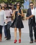 Celebrities Wonder 76303629_zoe-saldana-extra_2.jpg