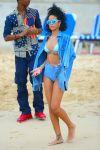 Celebrities Wonder 77077645_rihanna-bikini-barbados_5.jpg