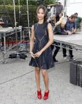 Celebrities Wonder 78720871_zoe-saldana-extra_5.jpg