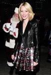 Celebrities Wonder 80002618_elizabeth-banks-LEGOLAND-California-Resorts-Annual-Tree-Lighting-Ceremony_3.jpg