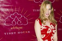 Celebrities Wonder 82304168_uma-thurman-Tibet-House-US-Benefit-Auction_7.jpg