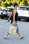 Celebrities Wonder 87046300_halle-berry-post-baby_5.jpg