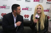 Celebrities Wonder 92175464_avril-lavigne-KISS-FM-Jingle-Ball_4.jpg