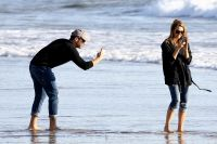 Celebrities Wonder 96330292_jessica-alba-beach_6.jpg