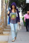 Celebrities Wonder 97805209_pregnany-olivia-wilde-pilates_1.jpg