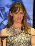 Celebrities Wonder 98713979_23rd-Annual-Beat-The-Odds-Awards_Jennifer Garner 4.jpg