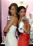 Celebrities Wonder 99204795_Victorias-Secret-Angels-Celebrate-Holiday-2013_5.jpg