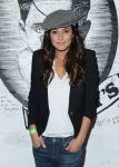 Celebrities Wonder 1309991_Emmanuelle-Chriqui-Three-Night-Stand_4.jpg