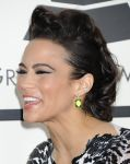 Celebrities Wonder 24630846_paula-patton-grammy-2014_6.jpg