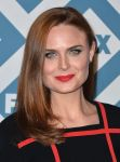 Celebrities Wonder 24669116_2014-Fox All-Star-Party_Emily Deschanel 2.jpg