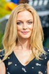 Celebrities Wonder 25535840_heather-graham-set-of-extra_5.jpg