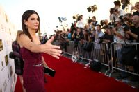 Celebrities Wonder 26190434_sandra-bullock-2014-critics-choice_3.jpg