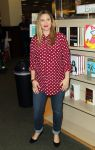 Celebrities Wonder 28825120_drew-barrymore-book-signing_1.jpg